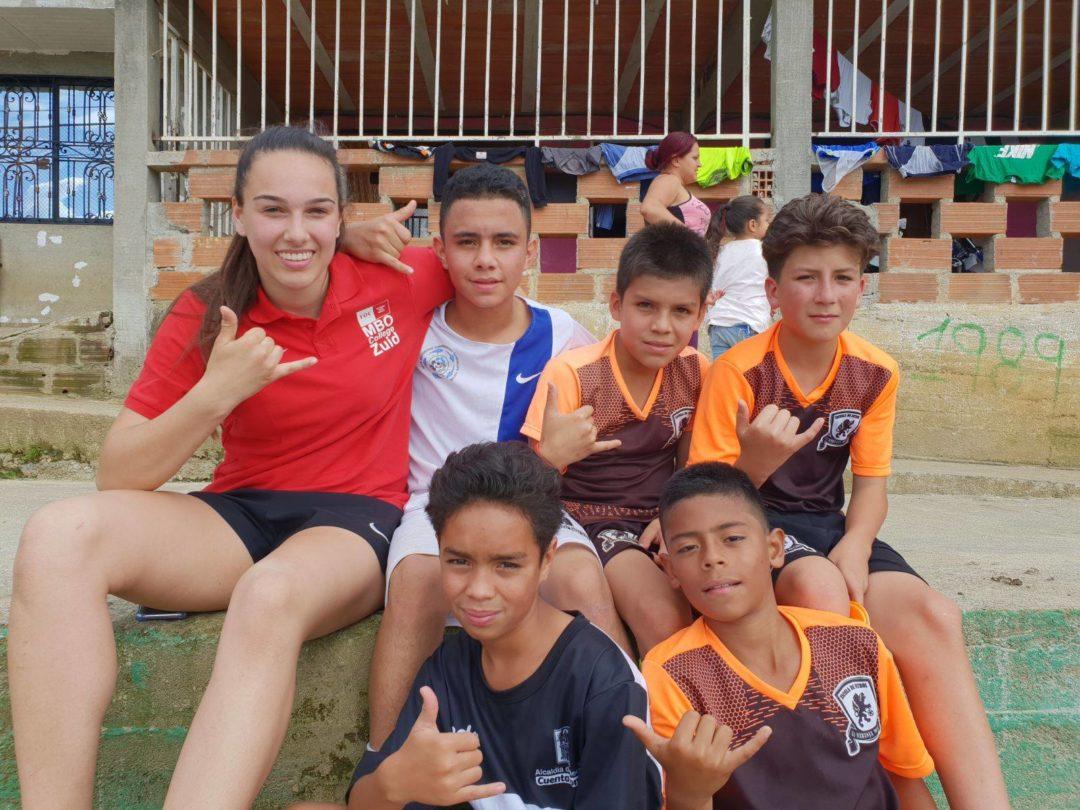Studenten MBO College Zuid doen vrijwilligerswerk in Colombia